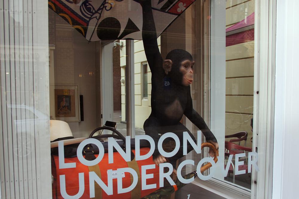 r-london-undercover-covent-garden-umbrellas